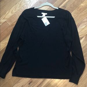 NWT Black Lightweight V-Neck Sweater